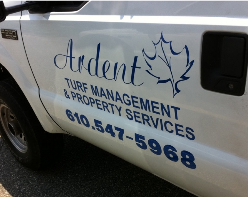 lawn-maintenance-vehicle-lettering