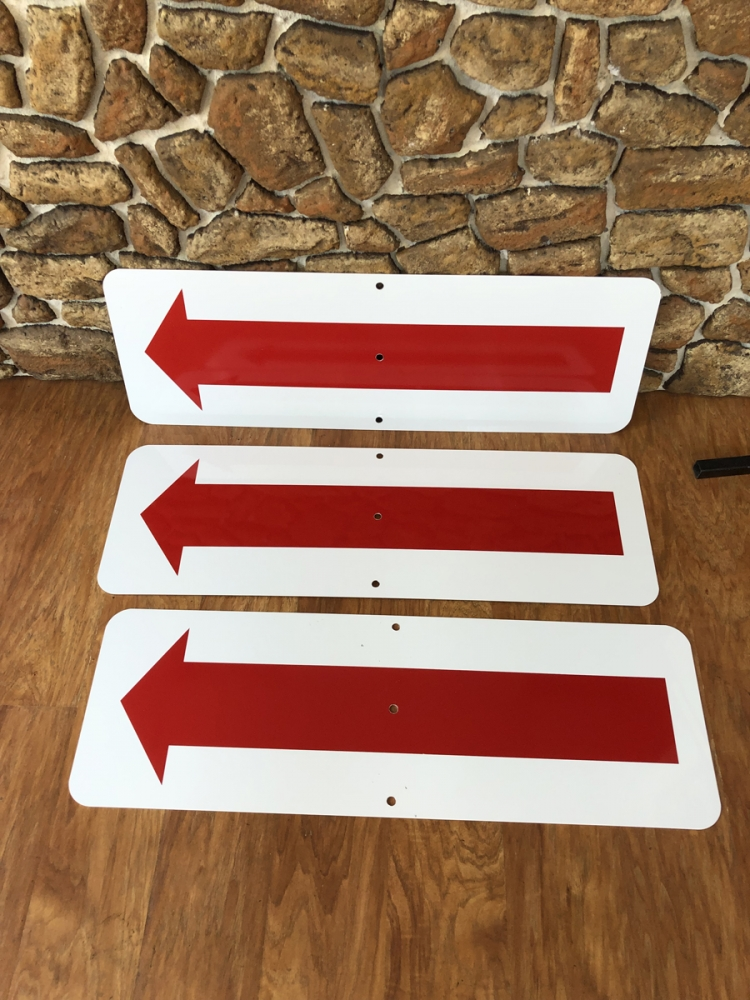Arrows 2 directional Sign Studios