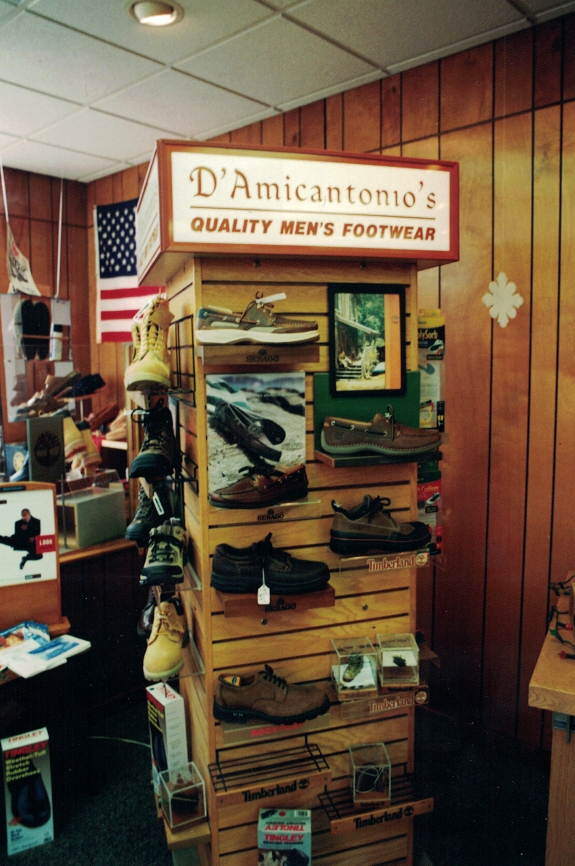 D'Amicantonios Shoe Merchandiser