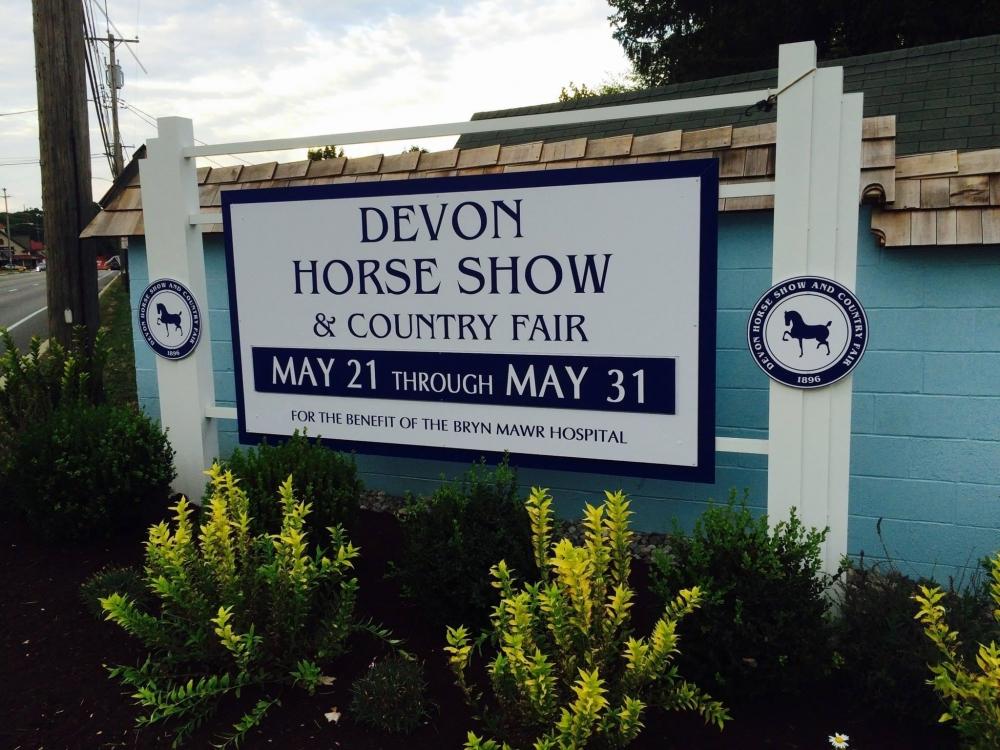Devon Horse Show Post & Panel