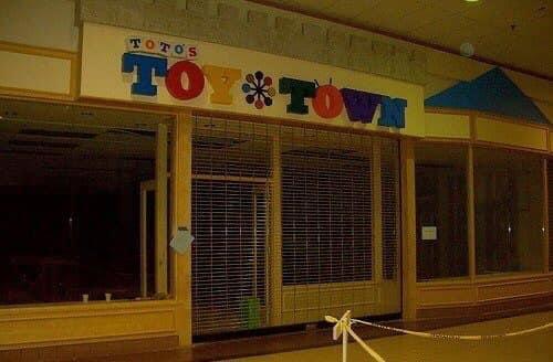 Toto's Toy Town Set
