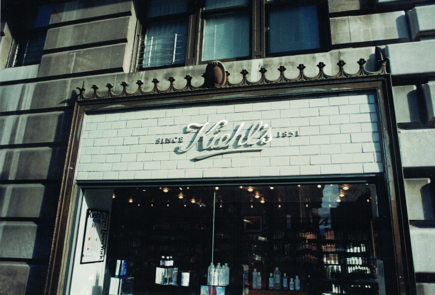 Kiehl's white Channel letters