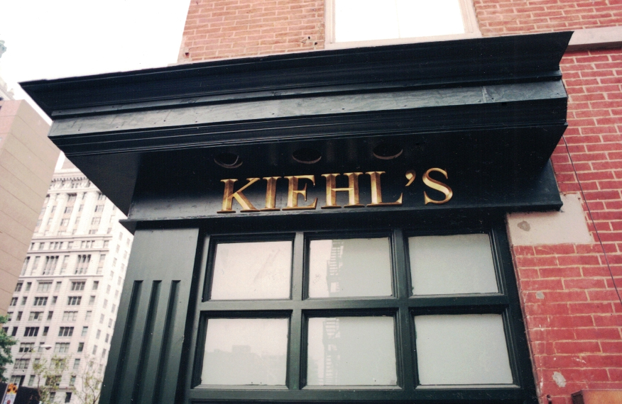 Kiehl's Dimensional Lettering Gold