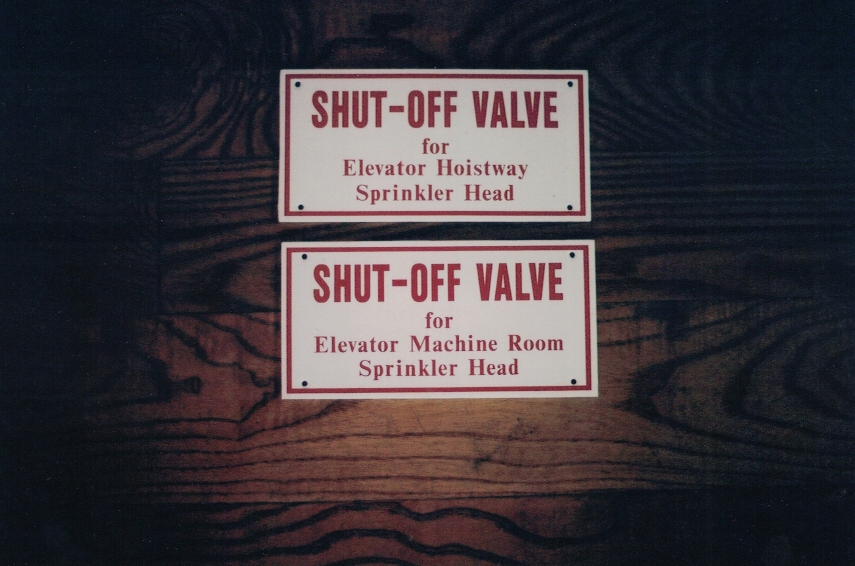 Shut-off valve safety Sign Studios