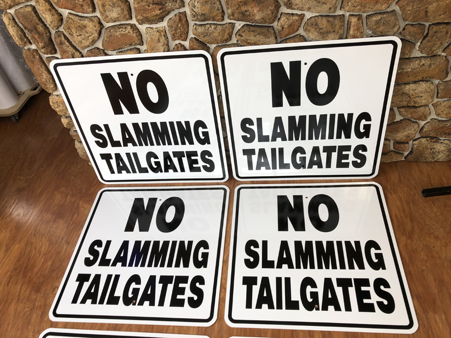 Tailgates signs 2 safety Sign Studios