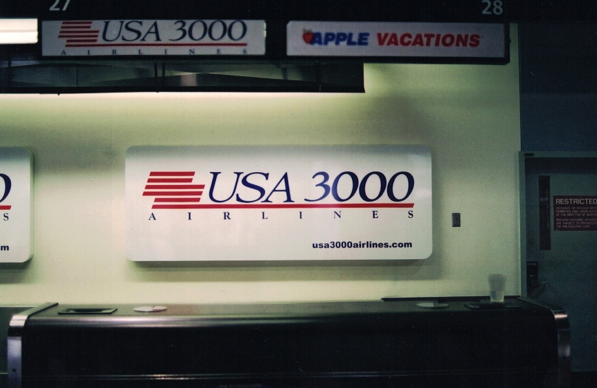USA 3000 inside airport Sign Studios