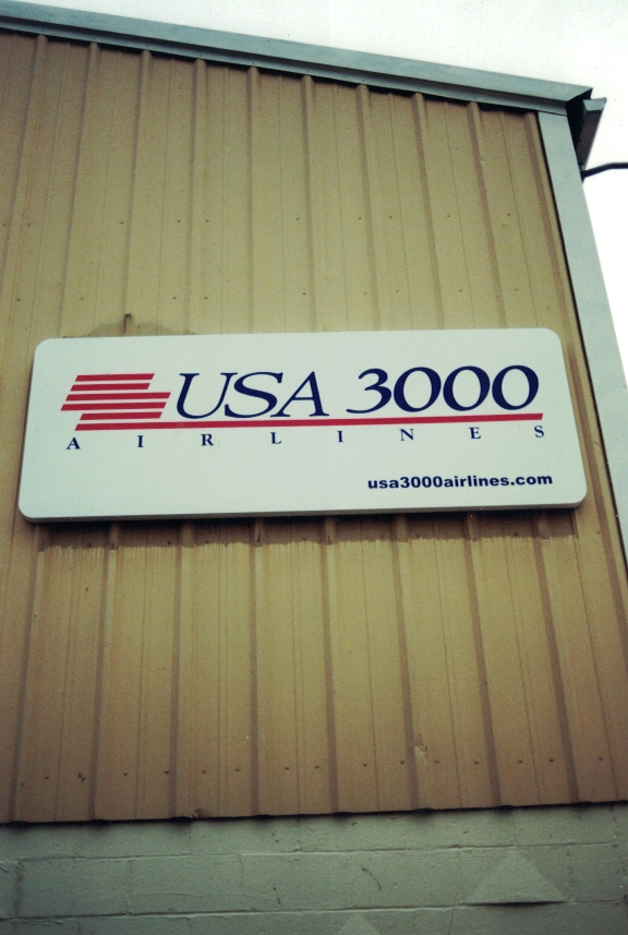 USA 3000 outside airport Sign Studios