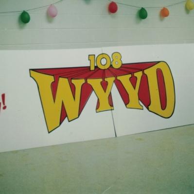 WYYD coro Sign Studios